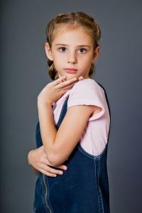ЛИЗА  8 лет